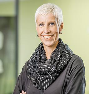 Kirsten Brinkbäumer, Praxismanagerin